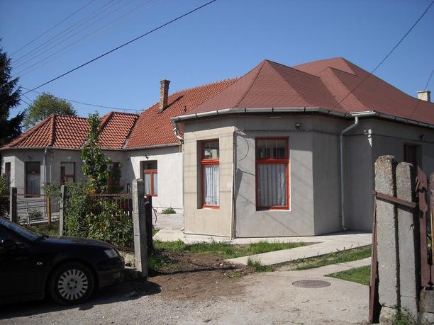 Roma-Schule Mit den Spendengeldern konnte das Dr.-Ambedkar-Gymnasium in Nord-Ungarn an westliche Standards angeglichen werden.
